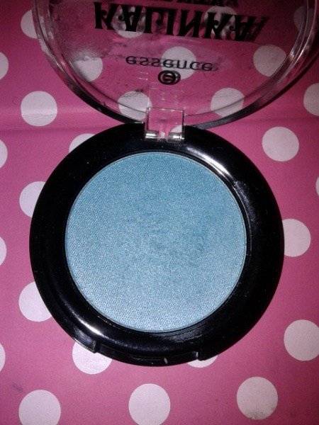 Essence LE Kalinka Beauty Eyeshadow - 03 Green Scene