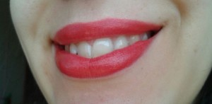Che broncio affascinante e ricco di grazia! XD Guardate com'è bello Cherry Pie e come sbianca i denti!