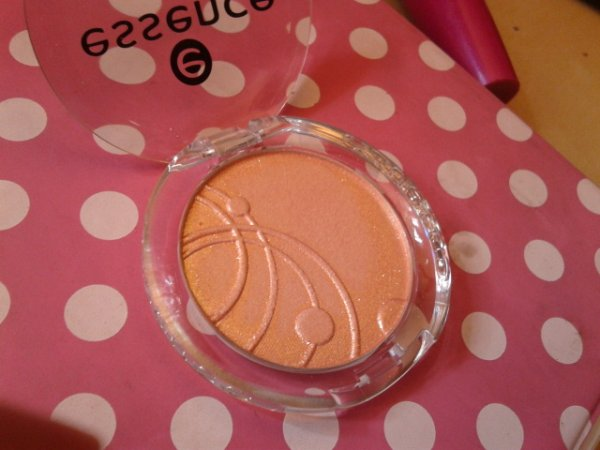 Essence Mono Eyeshadow - 74 Peach Beach