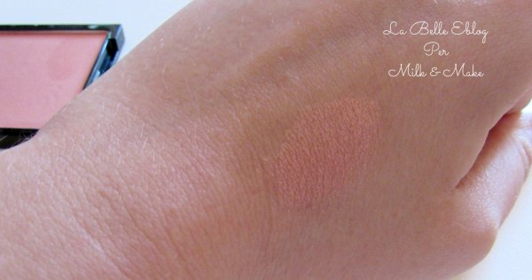 p2 blush catch the glow swatch
