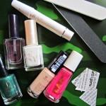 "[Nail art] Unghie effetto ""giornale"" in versione glamour"