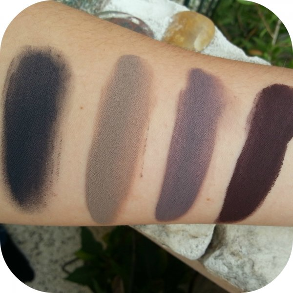 Da sinistra: Grey Blue - Taupe - Lilac Grey - Aubergine