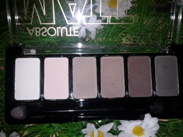 Catrice Absolute Matt Eyeshadow Palette - 010 Eyes Wide Matt