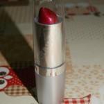 [Recensione]  Lipstick Wet n Wild E552A Just Garnet