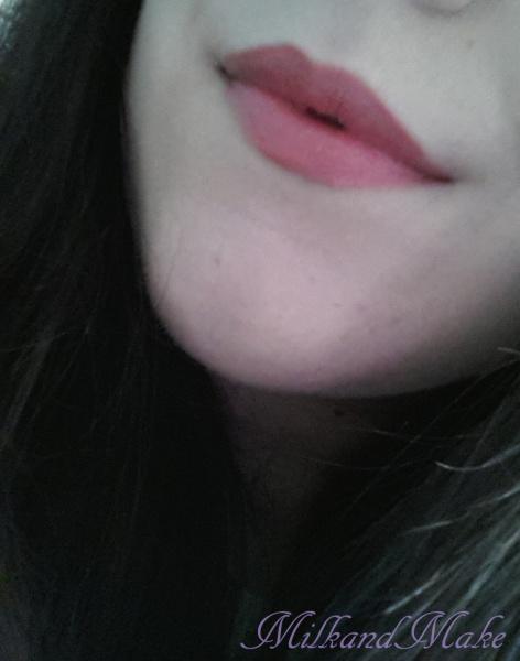 "Essence XXXL Longlasting lipgloss Matt Effect ""Coral Mousse"""