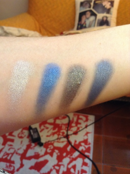 Essence Quattro Eyeshadow palette - 09 Denim 4.0