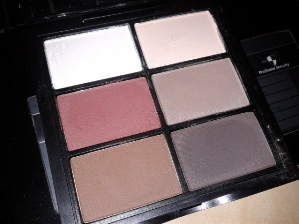 Wjcon Limited Edition Makeup Artist - Eyeshadow Palette 01
