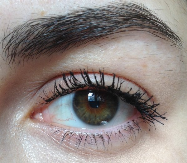 Essence Lash Princess Mascara - False Lash Effect