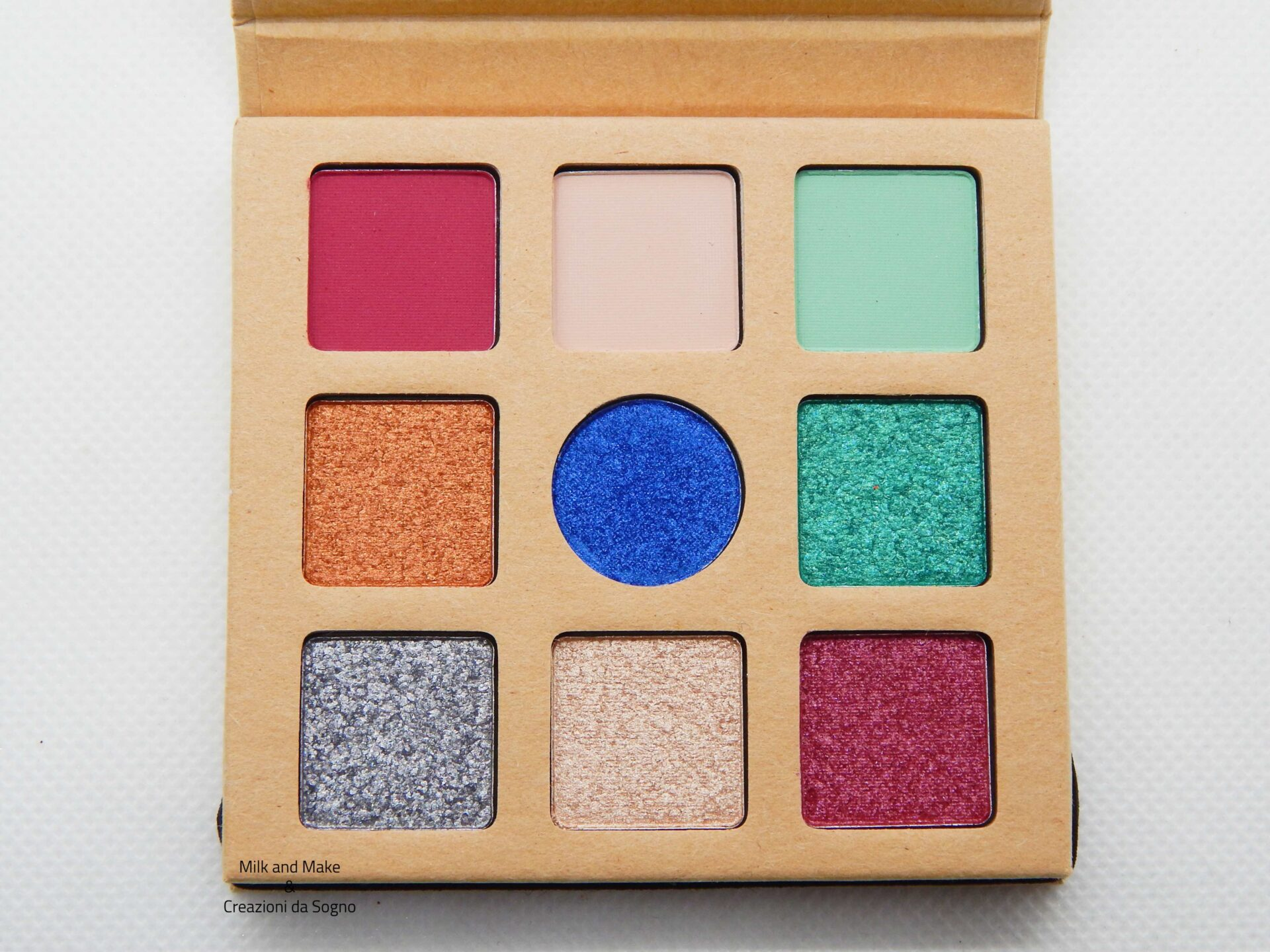 Daily Dose of Power Eyeshadow Palette Essence Cosmetics - Recensione
